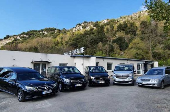 Véhicules de l'agence à Foix, Saint-Paul-de-Jarrat et Varilhes et sa région.