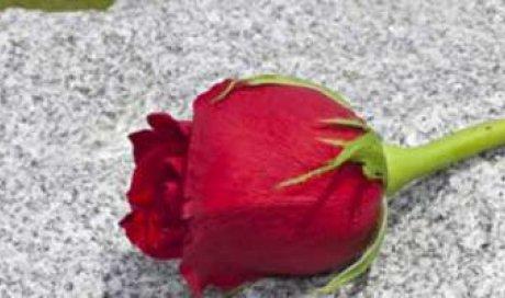 Nettoyer votre monument funéraire à la Toussaint